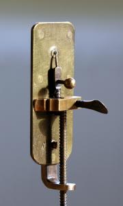 Leeuwenhoek_Microscope